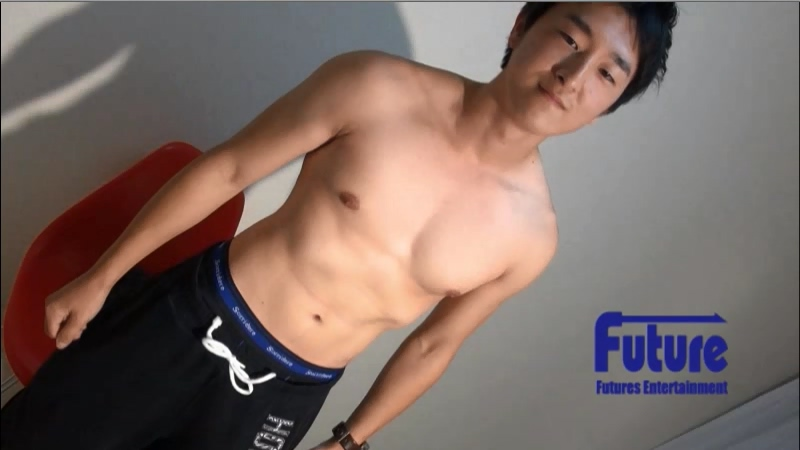 [Future Boy] TC1003842 - マッチョな21才変態学生が荒い吐息を吐きながらオナホでフィニッシュ!